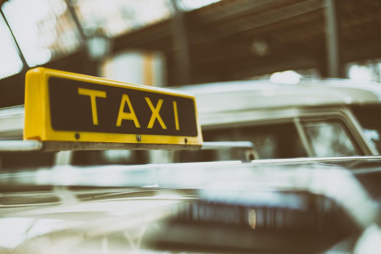 Online Taxi Grab Uber