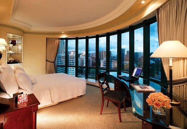 Kamar Hotel Yang Mewah