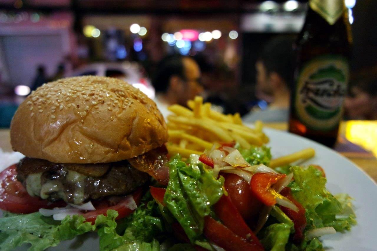 Burger-nya gede banget!