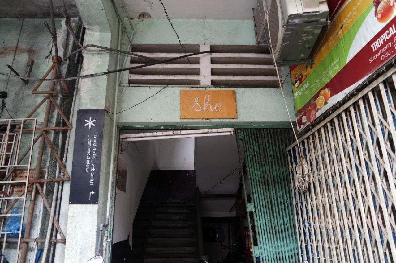 Signage She Cafe Jalan Pasteur 158 HCMC